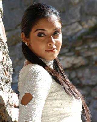 Asin Thottumkal Celebrate her
